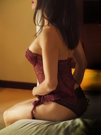 erotic massage  wa chloe melbourne escort