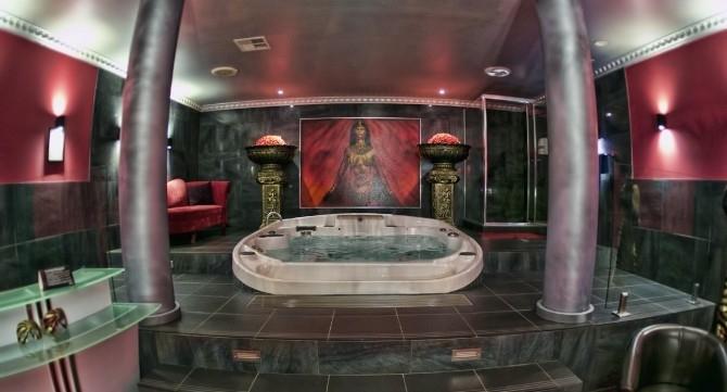 Cleopatras Club in Sydney